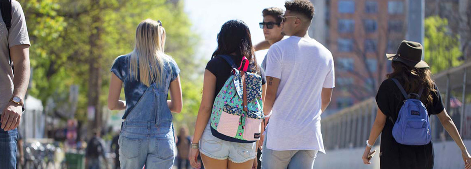 "BACK TO SCHOOL IN STYLE<br><span class=""title-sm"">with BackPacks.com</span>"